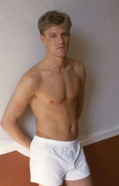 Sean Bean | 28 Sexy Pictures Of Older Actors When They WereYoung