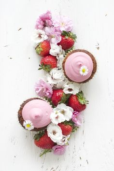 Gluten-Free Strawberry Cupcakes | Farm on Plate