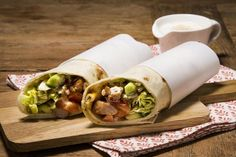 Wraps med strimlet svin Fresh Rolls, Wraps, Lunch, Ethnic Recipes, Food, Eat Lunch, Essen, Meals, Lunches