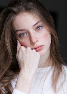 Life is a Journey — bijogazosouko: Lauren De Graaf 画像・写真 Most Beautiful Faces, Beautiful Girl Image, Little Girl Models, Model Face, Face Hair, Fair Skin, Woman Face, Mannequins, Pretty Face
