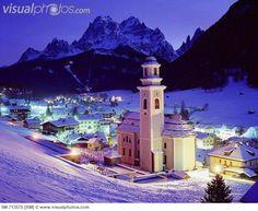View towards Sesto (Sexten) village and Dolomiti di Sesto mountains ITA/South Tyrol, Alta Pusteria