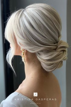 Best wedding hairstyles for blondes. Wedding up do. Blonde Bridal Hair, Bridal Hair Buns, Bridal Hair And Makeup, Low Bun Bridal Hair, Romantic Bridal Hair, Blonde Bride, Blonde Updo, Low Bun Hairstyles, Wedding Bun Hairstyles