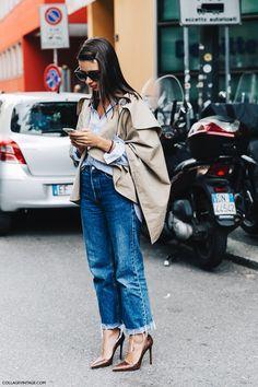 MFW-Milan_Fashion_Week-Spring_Summer_2016-Street_Style-Say_Cheese-Natasha_Goldenberg-Trench_Coat-Blue_Shirt-2