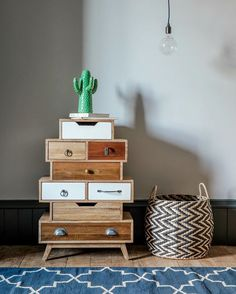 Store away your clutter in style in our eclectic Natural Shoreditch Mixed-Up Drawers!