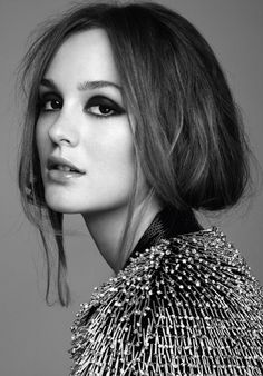 don't LOVE Leighton Meester...but I LOVE her eyeshadow here.