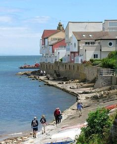 England Travel Inspiration - Swanage coast path on the Jurassic Coat in Dorset, England