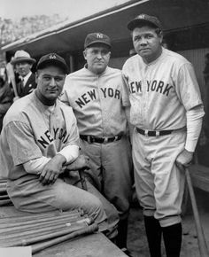 New York Yankees manager Joe McCarthy poses with Babe Ruth and Lou Gehrig. Joe led the team to seven World Series championships New York Yankees Baseball, Yankees Fan, Sports Baseball, Soccer Jerseys, Yankees Logo, Baseball Wall, Baseball Teams, Cubs Baseball, Baseball Stuff