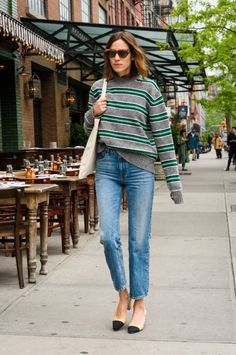 chungit-up:Alexa Chung out and about in NYC | May 1, 2017