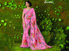 This saree is designed as per the modern trends to keep you in sync with high fashion. This beautiful saree especially for you. Laxmipati Sarees, Lehenga Saree, Fancy Sarees, Party Wear Sarees, Saree Collection, Bridal Collection, Saree Shopping, Printed Sarees, Beautiful Saree