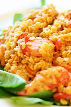 En väldigt snabblagad tandoorigryta med linser. Jag serverade med ris, men är säkerligen gott med t ex nudlar eller quinoa även. Tandoorigryta med linser 4 port 3 dl röda linser (9 kr) 3 dl kokosmj…