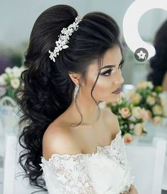 wedding hairstyles bride Locken - Wedding Dresses, Decorations, and planning - Wedding Hairstyles For Long Hair, Wedding Hair And Makeup, Bride Hairstyles, Curled Hairstyles, Bridal Hairdo, Hairdo Wedding, Diy Wedding, Quinceanera Hairstyles, Wedding Hair Inspiration