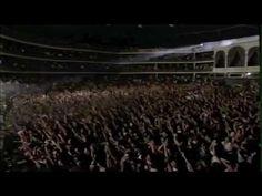 """Netinho cantando """"Preciso de Você"""" no Coliseu de Lisboa em 1998"""
