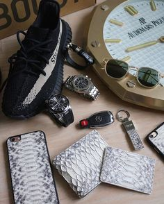 Essentials with the @michael_louis_ Natural #Python Set  - Classic BiFold Wallet Card Holder Key Holder and iPhone Case.  via LUXURY LIFESTYLE MAGAZINE OFFICIAL INSTAGRAM - Luxury  Lifestyle  Culture  Travel  Tech  Gadgets  Jewelry  Cars  Gaming  Entertainment  Fitness