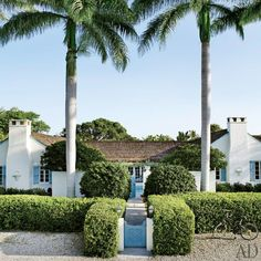 The house was designed in 1940 by architect F. Burrall Hoffman Jr | archdigest.com