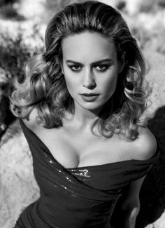 Learn how to lose fat and build muscle at the same time! steven-rogers: Brie Larson for Vanity Fair photographed by Inez. steven-rogers: Brie Larson for Vanity Fair photographed by Inez and Vinoodh keep running May 29 2019 at Brie Larson, Sacramento, Vanity Fair, Marvel Heroines, Queen, Gal Gadot, Beautiful Celebrities, Beautiful Women, Beautiful People