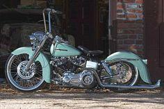 Custom 1975 Harley-Davidson FLH