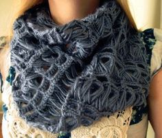Infinity Broomstick Lace Scarf. Original link: http://speckless.wordpress.com/2012/02/12/broomstick-lace-tutorial/