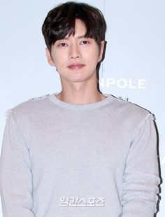 Park Hae-jin donates 50 million won for Gyeongju crisis @ HanCinema :: The Korean Movie and Drama Database Park Hye Jin, Gyeongju, Korean Entertainment News, 50 Million, Talent Agency, Korean Star, Niece And Nephew, Korean Actors, I Movie