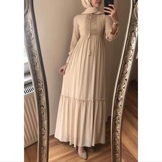 Modest Fashion Hijab, Modern Hijab Fashion, Muslim Women Fashion, Hijab Fashion Inspiration, Fashion Dresses, Modele Hijab, African Prom Dresses, Sleeves Designs For Dresses, Hijab Dress