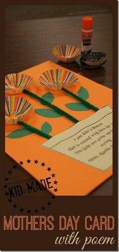 LOVE this super cute and simple to make Mothers Day Craft - it can be a Mothers Day Card with free printable Mothers Day Poem. This is perfect for toddler, preschool, kindergarten, first grade, and grade kids as this is easily a kid made gift for Moms. Diy Gifts For Mom, Mothers Day Crafts For Kids, Diy Mothers Day Gifts, Mothers Day Cards, Kids Gifts, Craft Gifts, Mothers Day Poems Preschool, Simple Gifts, Happy Mothers