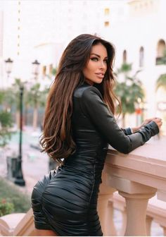 Custom Leather Jackets, Gorgeous Women, Beautiful, Sexy Legs And Heels, Leather Dresses, Collar Styles, Celebrity Dresses, Mode Style, Leather Fashion