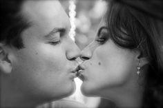 13 de Abril dia do beijo.Lena lima,fotografa em Belo Horizonte/MG/Brasil • 21 horas atrás Lenalima,fotografa de casamentos em BH/ Por de sol em Bougainville Farm (Fazenda Ouro Fino)Caete,Minas Gerais,Brasil.