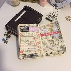 Week 52. Last week of 2016...Decided to do a WO2P in a more journal style rather than planning. Which I tend to do on a WO2P layout for some reason. It's a bittersweet feeling leaving 2016 behind but all we can do is look forward. On to a New Year, ready or not 😅 And oh! Hello there my Rustic Kodiak! She will be my personal TN for now 💖 #welcome2017 #goodbye2016