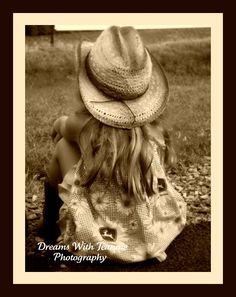 Framed~little cowgirl  www.facebook.com/pages/Dreams-With-Jeannie-Photography/143962712316869