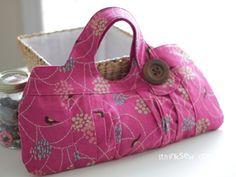cute bag! (make a mini bag by copying pattern @ 70%)