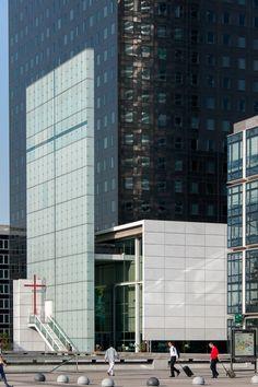 Paris, La Défense, Notre Dame de Pentecôte, architect: Franck Hammoutène