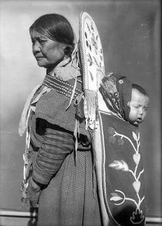 Matalea and her daughter Rosalee - Flathead - circa 1906