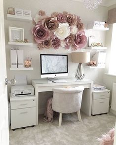 I want my crafty corner/office space to look like this ? I want my crafty corner/office space to loo Cozy Home Office, Home Office Space, Home Office Design, Home Office Decor, Office Ideas, Home Decor, Corner Office, Small Office, Office Setup