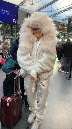 Fur Coat, Singer, Ann, Jackets, Fashion, Down Jackets, Moda, Fashion Styles, Jacket