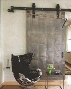 SusiRoses Interiorismo low-cost - Diseño de interiores desde Pontevedra-Puerta granero de metal