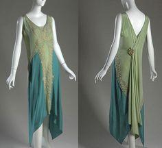 Une robe en mousseline d'été , griffée Callot Sœurs Paris. 1909 - Eloge de l'Art par Alain Truong