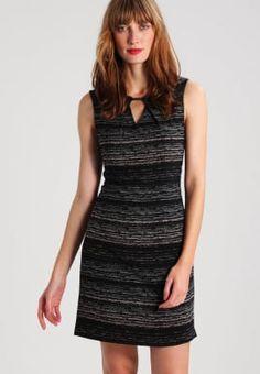 Jurken Anna Field Zakelijke jurk - black/cloud dancer Gebroken wit: 44,95 € Bij Zalando (op 25/11/16). Gratis verzending & retournering, geen minimum bestelwaarde en 100 dagen retourrecht!