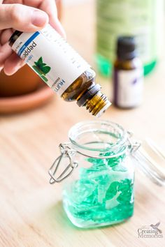Homemade AfterSun Sunburn Relief Gel with Essential oils