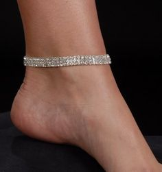 I love wearing ankle braclets, I wear several on both ankles. I have for many years, it's my style..I keep it sexy not trashy. The right braclet can add a nice look.