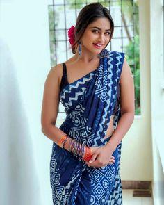 Shivani Narayanan is an Indian Television Actress. She is acting in South Indian Tamil serial industry. Shivani Narayanan debut in Tamil Television serial Beautiful Girl Indian, Most Beautiful Indian Actress, Beautiful Saree, Gorgeous Women, Beautiful People, Indigo Saree, Saree Photoshoot, Saree Look, Elegant Saree