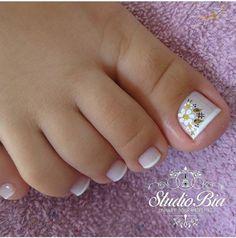 #foot #nailsflowers #nails #flowers #nailsfrench Pretty Toe Nails, Cute Toe Nails, Cute Toes, Pretty Toes, Feet Nail Design, Toe Nail Designs, Mani Pedi, Manicure And Pedicure, French Pedicure