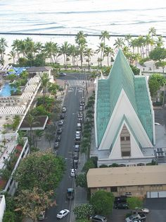 View from our hotel room window on Waikiki of St. Looks almost exactly like my view last time I was there! Hawaii Life, Oahu Hawaii, Moving To San Diego, King Kamehameha, Have A Nice Trip, Catholic Churches, Cathedral Church, Famous Places, Pearl Harbor
