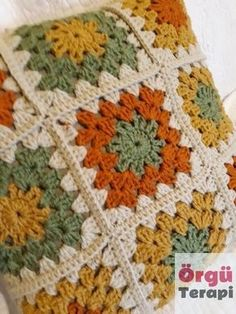 Crochet Motifs, Granny Square Crochet Pattern, Crochet Squares, Crochet Blanket Patterns, Crochet Stitches, Knitting Patterns, Granny Squares, Granny Square Afghan, Crochet Granny