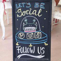 Hi, Instagrammers! Follow us also on Facebook & Pinterest! #diebuntique #handmade #socialmedia #vienna #die_buntique #shoplocal #wien #design #space #alien #ufo #follow #kirchengasse