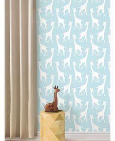 Adorable giraffe themed design Ideal for nurseries, bedrooms and playrooms. Other colours available. Easy to apply - simply peel and stick