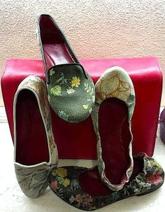 Walk with me! Atelier Classe Leather Shop in Florence (Italy) Via Torta 16-18/r www.atelierclasse.com #atelierclasse #bags #bag #school #art #pelle #fashion design #florence #italy #shoes #girls #women #woman #woman shoes #girl shoes #red #pitti #pitti donna #milano fashion week #fashion #diy #leather #holiday florence #tuscan #apartment #hipster #moda #mod #mode #paris #folk #funk #people #luxury #trendy #style #cool #aifs #cimba #nyc street style #new york fashion #heels…