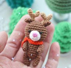 Crochet reindeer free amigurumi pattern
