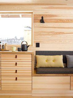 Storage/built ins w/ counter/desk Tiny Spaces, Interior, Small Summer House, Decor Design, Interior Architecture Design, Cabin Interiors, Home Decor, House Interior, Home And Living