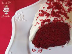 Bird On A Cake: Red Velvet Bundt Cake recipe No Bake Desserts, Just Desserts, Delicious Desserts, Yummy Food, Red Velvet Bundt Cake, Yummy Treats, Sweet Treats, Cake Recipes, Dessert Recipes