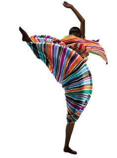 Dancing - Kick swirl