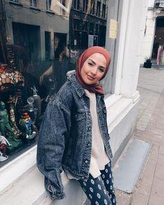 mentions J'aime, 64 commentaires - SAMIA ☼ (Ghalia Sauf.etc) sur Insta. Hijab Fashion Summer, Modern Hijab Fashion, Street Hijab Fashion, Arab Fashion, Hijab Fashion Inspiration, Seoul Fashion, Muslim Fashion, Fashion 2020, Modest Fashion